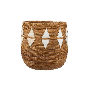round woven banana leaf basket with white diamonds